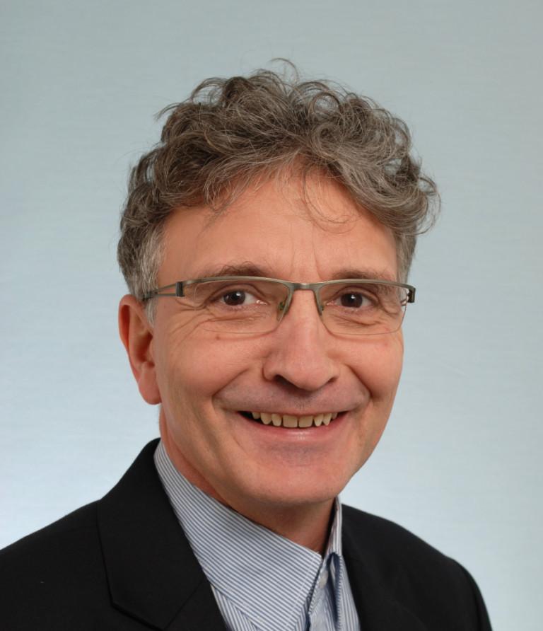 Porträtfoto von Stefan Luginbühl
